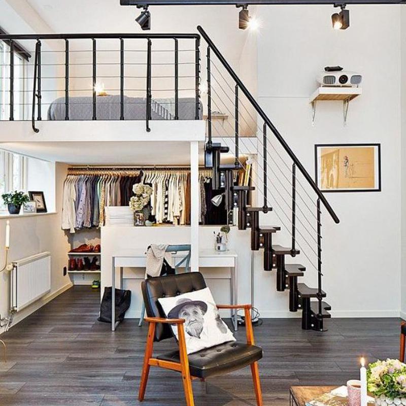 阁楼迷你别墅楼梯复式钢木室内家用别墅跃层现做生意楼梯乐山租图片