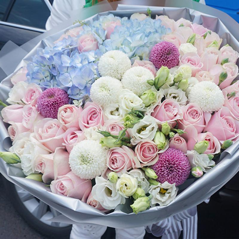 【懂你】蓝绣球玫瑰精美花束